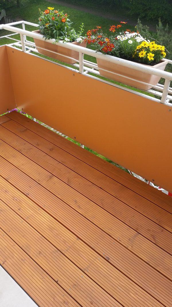 balkon holzboden aus l rche gartenpflege bernd fischer. Black Bedroom Furniture Sets. Home Design Ideas